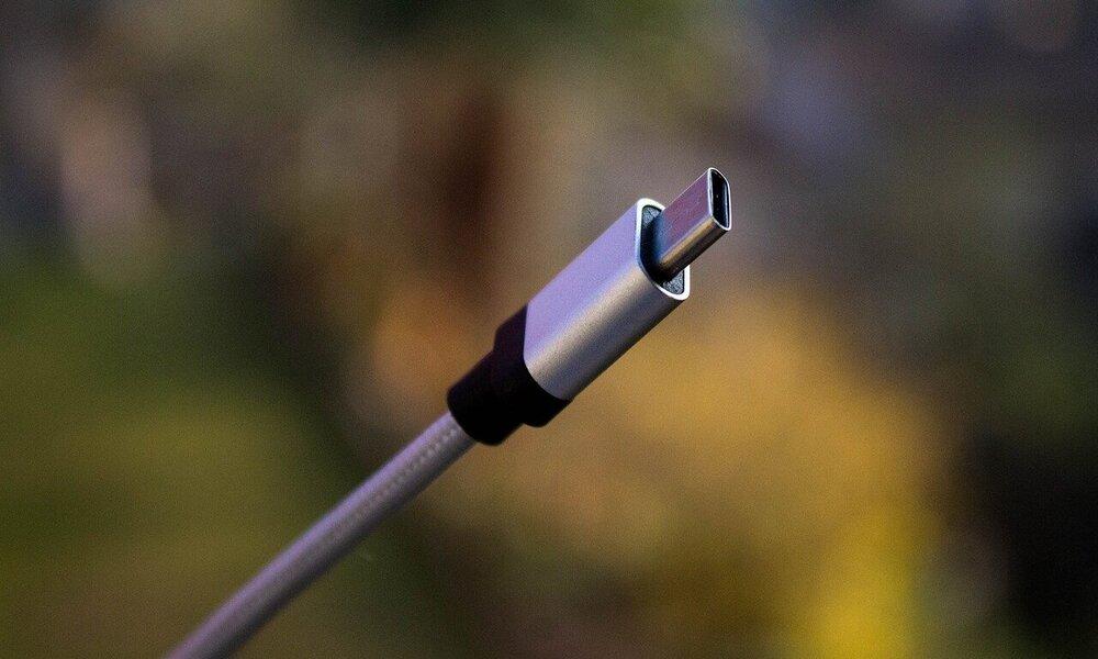 El estándar USB-C sube de potencia: pasará de cargar hasta 100W a hacerlo hasta 240W
