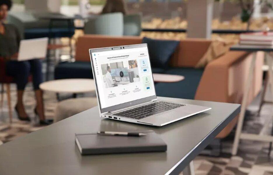 HP presenta herramientas de escritorio virtual y gestión de dispositivos para facilitar el trabajo híbrido