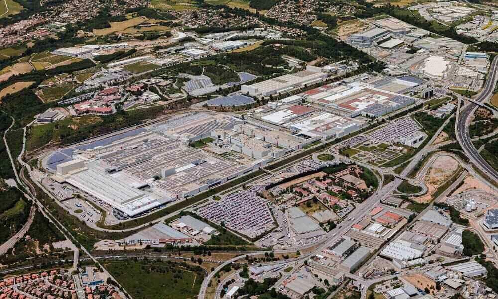 Seat pone sobre la mesa un ERTE en sus fábricas de Cataluña hasta junio por la falta de chips