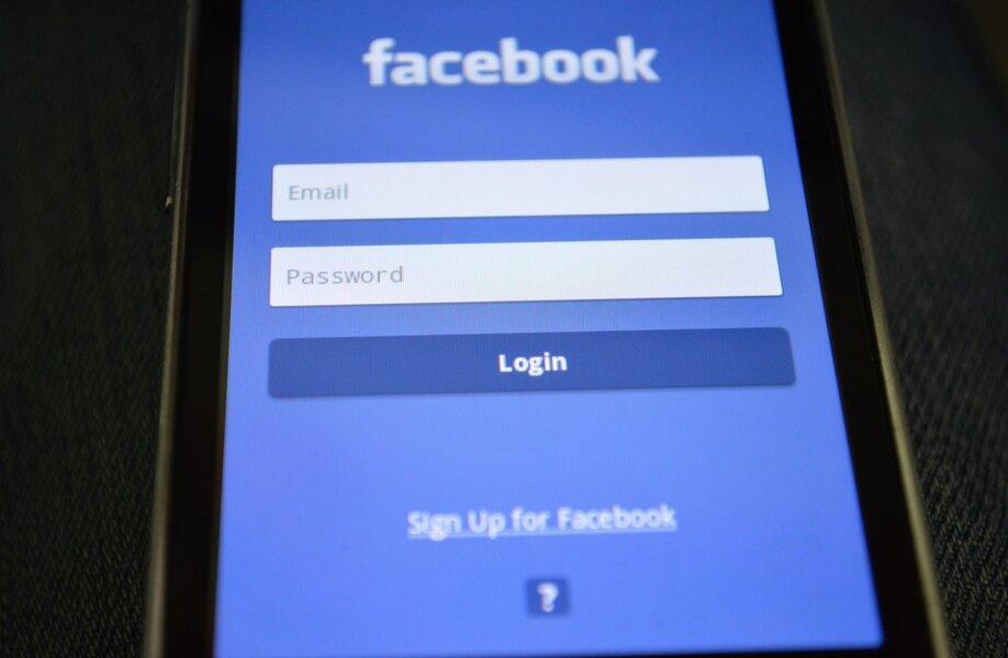 Caen Facebook, WhatsApp e Instagram y la compañía deja de ingresar 60 millones (y Zuckerberg 6.000)